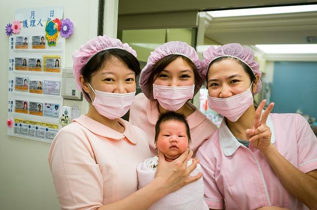 nurse-748186_640